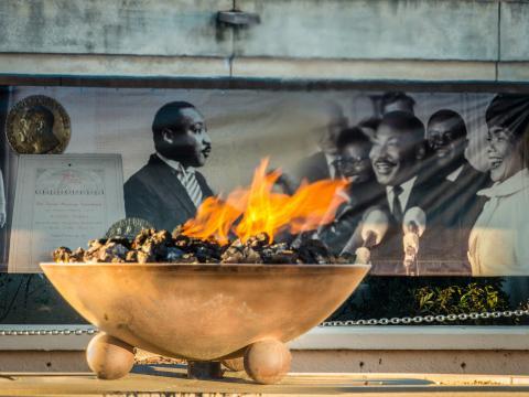 佐治亚州亚特兰大的国王中心燃烧的永恒之火