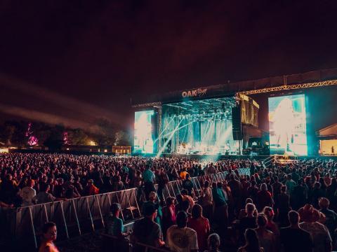 肯塔基州路易维尔 Bourbon & Beyond Music Festival 音乐节期间的现场音乐
