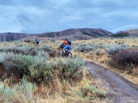 爱达荷州波卡特洛秋季超级赛(Pocatello Fall Ultra)期间的山地自行车赛